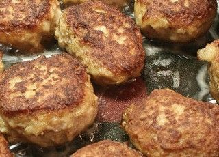 """These look so good. I can't wait to make them. My husband ate them when he was little in Holland. Yum!  Danish Food Culture - Recipes - """"Frikadeller"""" - Danish Pork Meatballs."""