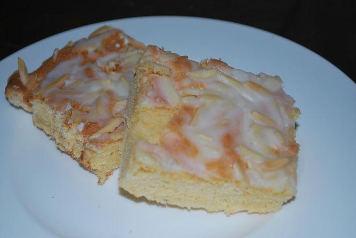 Das perfekte Mandelschnitten Schneller saftiger Blechkuchen-Rezept mit Bild und einfacher Schritt-für-Schritt-Anleitung: Zitronen heiß waschen und…