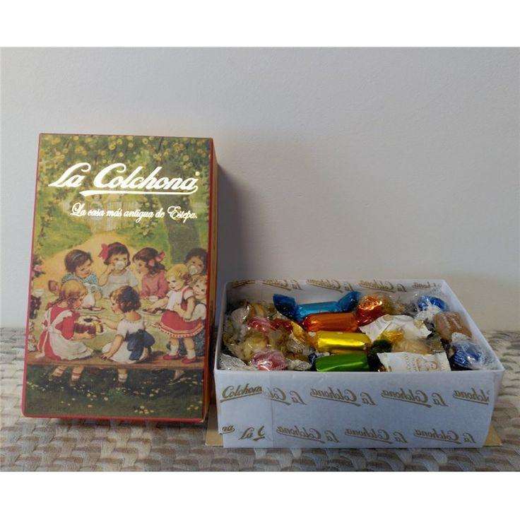 Estuche de Especialidades La Colchona de Estepa con 1,2 kg. en caja de cartón decorada