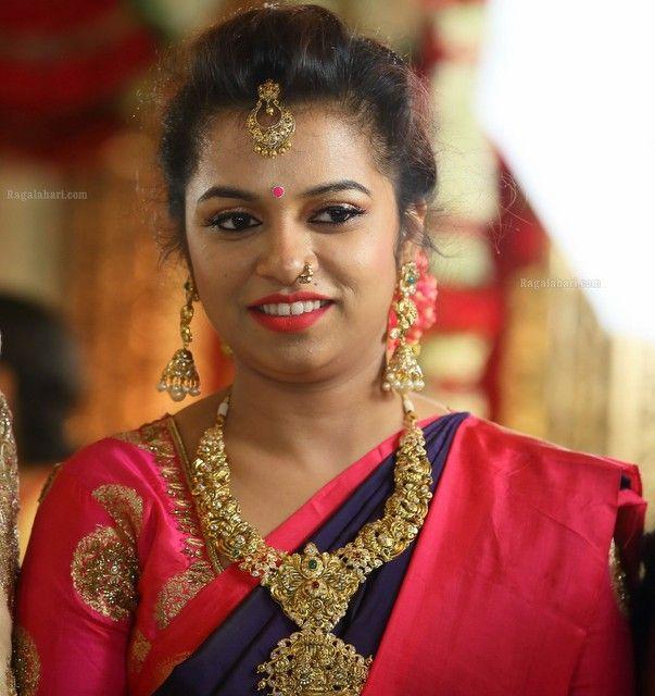 Pretty Lady in Nakshi Necklace Vaddanam