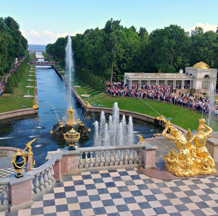 """Peterhof az orosz """"Versailles"""""""