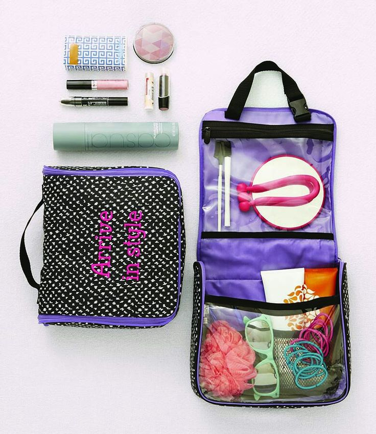 Thirty-One Hanging Traveler Case #travel  www.mythirtyone.com/apeterson86