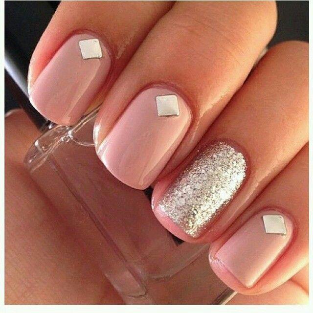 Díszítsd körmeidet szegecsekkel! Az eBay-ről gyorsan és egyszerűen meg lehet őket rendelni.  #nail #ebay #design
