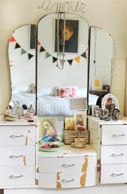 dressing table by paulamills, via Flickr: Vintage Mirror, Idea, Vintage Vanities, Mirror Mirror, Vintage Dressers, Mirrormirror, Boho, Vintage Dresses Tables, Girls Rooms