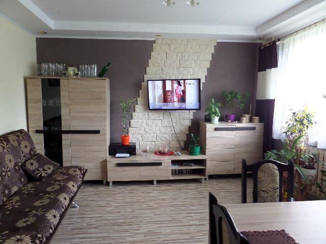 Typ: mieszkanie na sprzedaż; Miasto: Police; Powierzchnia całkowita: 63.29m2; Cena za m2: 3239 PLN; Ilość pokoi:3 Biuro nieruchomości MULTI mieszkania Szczecin