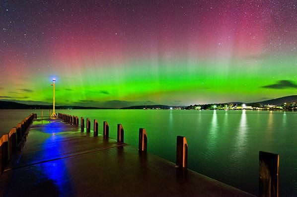 Aurora Australis in Hobart, Tasmania from GEO-Encyclopedia: Pictures in the world.
