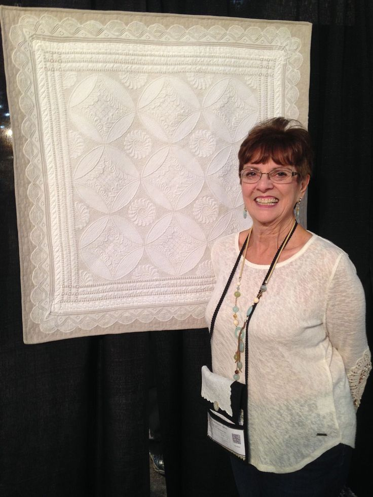 Monique Figlietti was another one of my featured Linen Ladies and is shown with her gorgeous quilt.