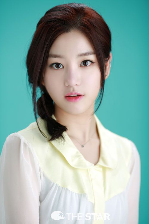 Lee Cho-a, played by lee yu bi