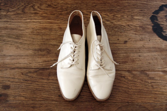 1980's Eggshell Low Ankle Boots by Liz Claiborne size by samiralee