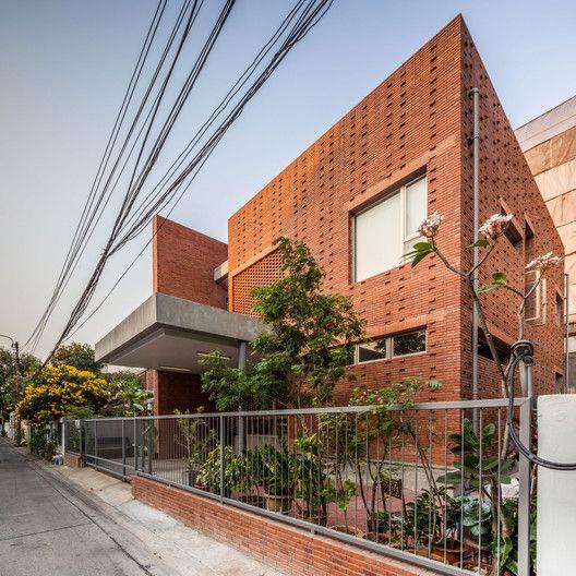 Ngamwongwan House,© Spaceshift Studio