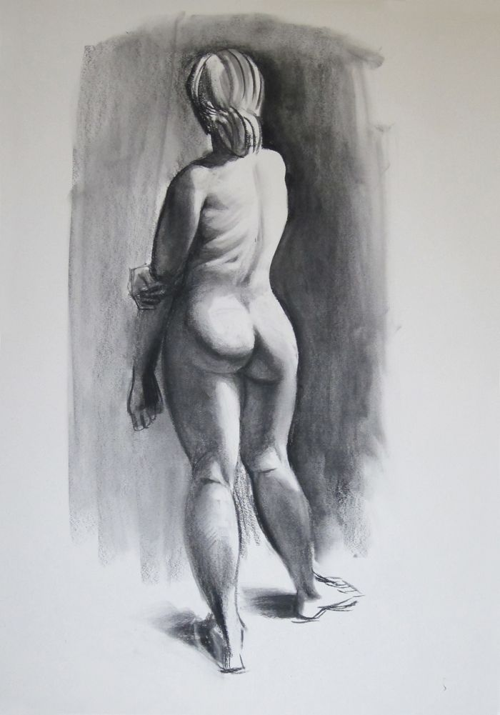Learn the basics of drawing with charcoal with this step-by-step tutorial. Included is a guide to all the materials you will need to get started.