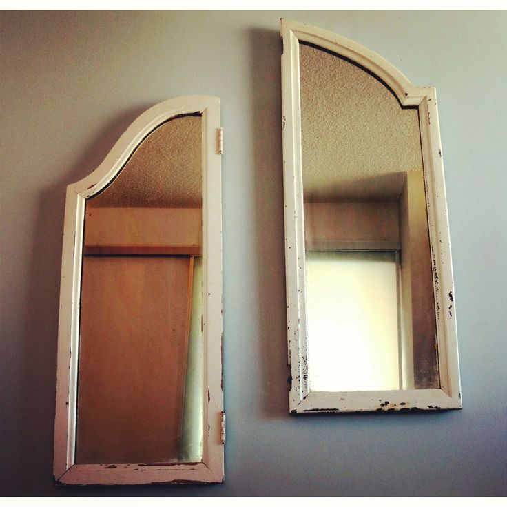 Mismatched Antique mirrors via BRIANCEAU COUTURE. Click on the image to see more! #rustic #mirrors #antique #brianceaucouture #objectsofcuriosity #chic