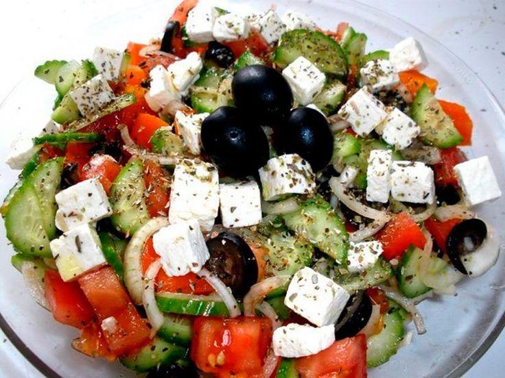 Рецепты салатов простых и вкусных Салат из капусты и огурцовСалат из капусты и огурцов - очень простой, бюджетный и невероятно вкусный. К тому же, подать его можно весьма изысканным способом. И ...