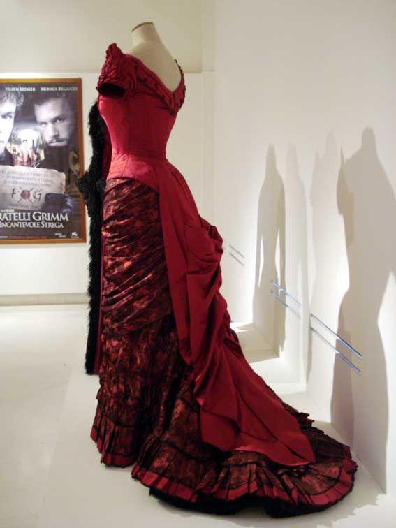 Ellen's 1880-style dress from The Age of Innocence (movie). Designed by Gabriella Pescucci. Collezione Tirelli.