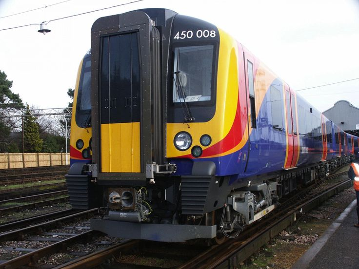 UPDATED Trains to and from London cancelled or delayed after 'remains' found between Basingstoke and Eastleigh - Dorset Echo