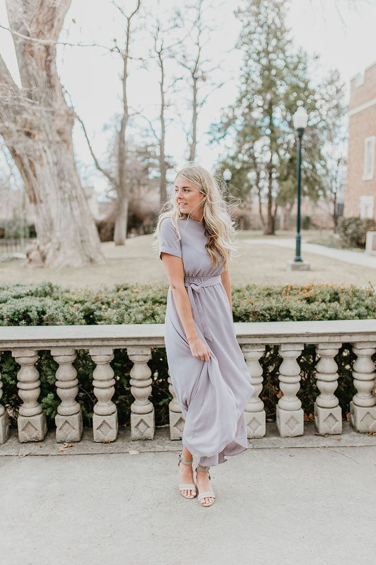THE WAKEFIELD BELTED MAXI DRESS IN LIGHT GREY