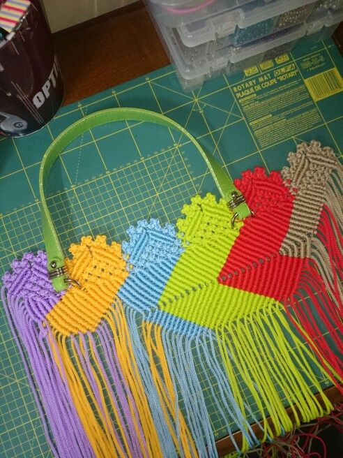 """First step #how to make a macrame bag inspired by the """"Balinese Rangrang cloth"""" pattern."""