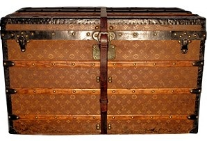 Loius Vuitton Tisse Lady's Trunk, 1890. So expensive but awesome.