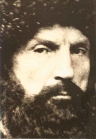 Halid Bağdadî - Mevlânâ Halid-i Bağdadî (1779, Süleymaniye - 1827, Şam), Nakşibendi Halidiye yolunun öncüsü ünlü alîm ve mutasavvıftır. Irak'ta Süleymaniye'ye 8 km uzakta Karadağ kasabasında doğmuştur. 1813-1823 yılları arasında Bağdat'ta yaşamış ve Kadiri dergâhında eğitim görmüş bir Mevlevi'dir.