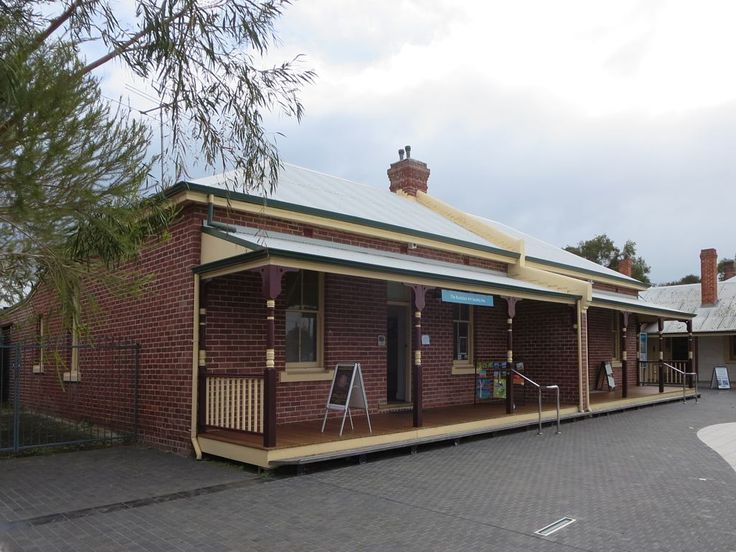 The old police quarters (1906) at the ArtGeo Cutural Complex in Busselton, Western Australia, currently accommodates a retail gallery specializing in South West arts and crafts.