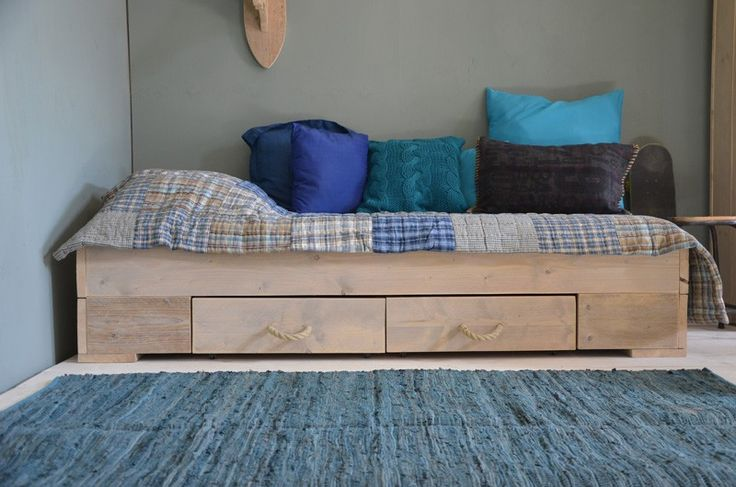 NEW #Stoer bed van #steigerhout #boysroom | Deng!