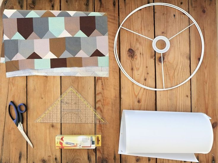 diy anleitung lampenschirm mit lieblingsstoff bespannen via vorlagen muster u v. Black Bedroom Furniture Sets. Home Design Ideas
