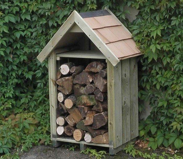 The Hinton log store makes for a practical, compact and tidy place to keep your logs dry and aerated over those Winter months. Built-in Shelf for Kindling or Tools.