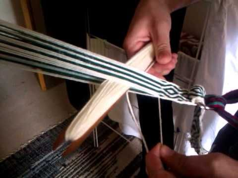Tablet Weaving Lesson #1 - Simple Diamond pattern in backstrap method. Very well explained as well as a method to store the project.