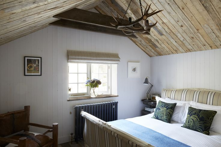 A seaside retreat for families and groups of friends, the #cottage sleeps 2-6 people in three bedrooms, one with a kingsize bed, one with a kingsize or twin beds, and a snug bunk bed room with two full size single beds. Featuring an open plan #living #room and #kitchenette with statement #log burner, #comfy #seating #area and a #dining #table for 6, as well as a #luxurious bathroom with copper roll-top bath and walk-in rainfall shower.