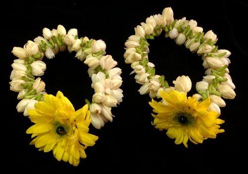 Flower Bangles Mehndi : Stunning and beautiful bangle mehndi designs to inspire you