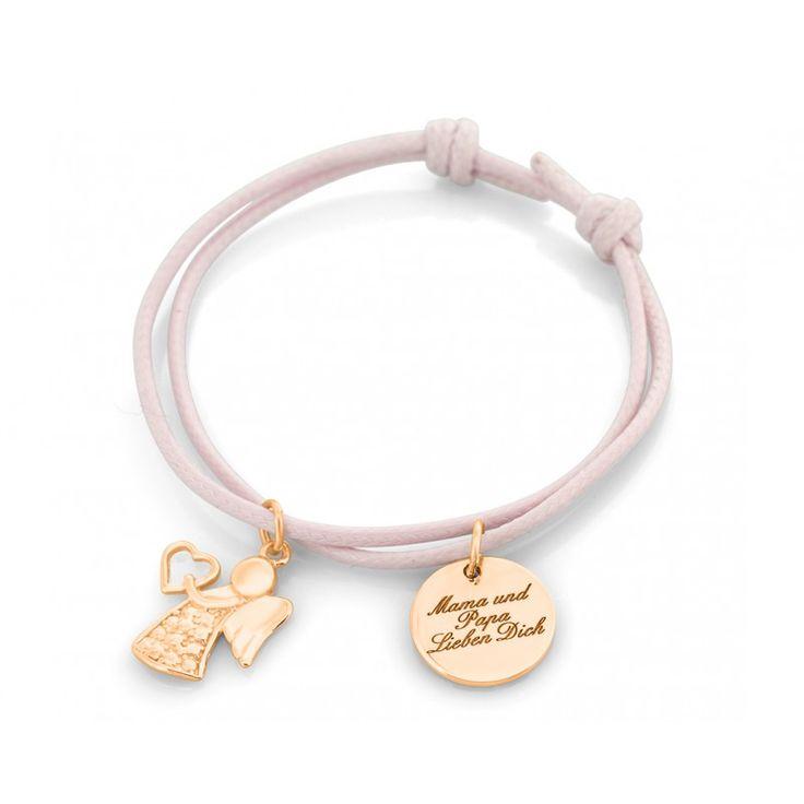 Ein schönes Armband mit verstellbarem Verschluss mit einem schönen Schutzengel und einem kleinen Namensplättchen.