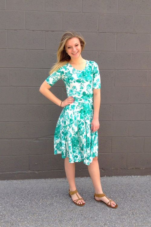 Twirl Dress Boutique offers a beautiful selection of modest dresses and modest formal dresses perfect for you special occasion or everyday.