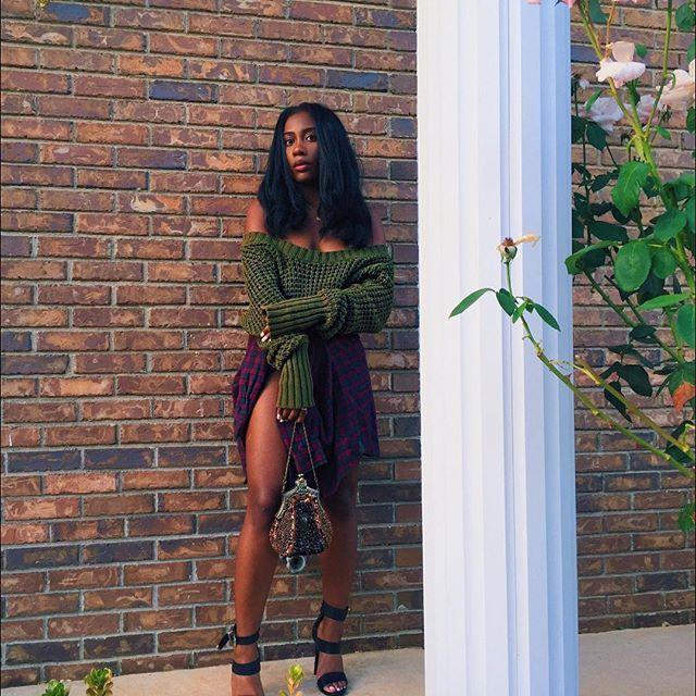 #blackgirls #darkskingirls #fineassgirls #flawless #fleek #darkskin #blackgirlsrock #womanism #blackwomen #essence #melanin #darkskinblackgirls #queen #blackqueen #thedarkerthebetter #hairgoals #blackgirlsbelike #blackwomenbelike #problack #blackpower #blacklove #blackexcellence #blackbeauties #blackgirlmagic #blackgirlsarelit #perfect #melaninonfleek #blackgirlsarepoppin