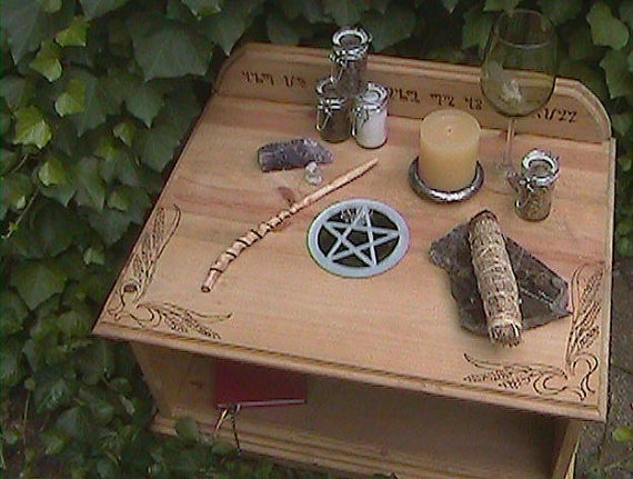 WICCAN ALTAR  This is a variation of a basic altar.