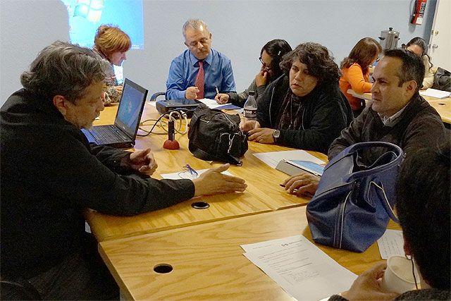 Seminario: Visiones sobre Mediación Tecnológica en Educación, Mesa 2, Sexta Sesión, 27 de octubre de 2014.