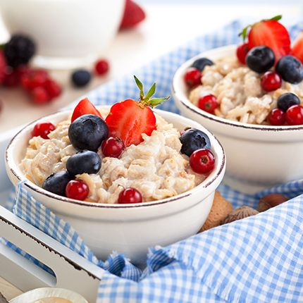 Oats, though not native to India, are a cereal grain dating back to 2000 B.C! Today, you strive to find a quick way to get strength and energy to carry you through your hectic schedule. A steaming bowl of freshly cooked oatmeal seems to be the best bet. But that's not all. Oats can be deliciously incorporated into a lot of recipes - and not just for breakfast!