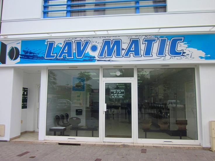 Lavomatic, laverie libre service à Tourcoing. 29 Place Charles et Albert Roussel, 59200 Tourcoing.