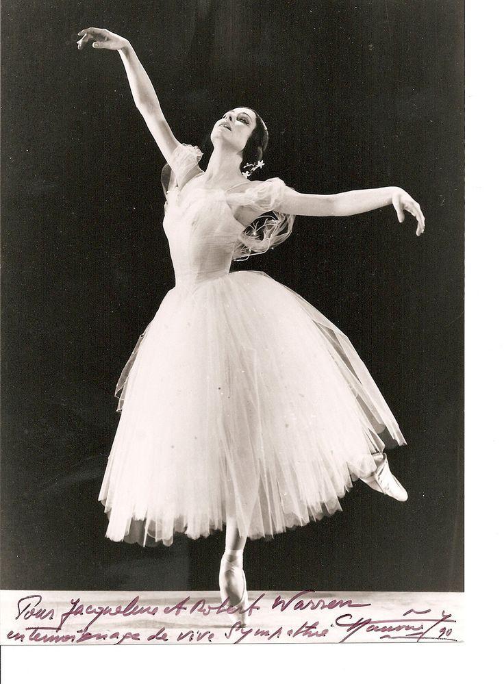 Yvette Chauvir (Born: 22 April 1917, Paris, France) as Giselle. #Ballet_beautie #sur_les_pointes * Ballet_beautie, sur_les_pointes *