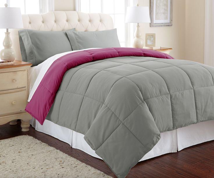 De la vista nace el deseo de dormir. Viste tu cama con un nuevo atuendo, con la ayuda de este juego de edredón Starhaus Bedware de tamaño matrimonial.   Este set incluye dos fundas de almohada para la armonía de tu cama, y cuenta con un diseño reversible para que cambies de color gris y rosa. ¡Dejáte conquistar por su forma acolchonada y textura suave!  ¿Y tú, ya tienes tu edredón reversible Starhaus Bedware?