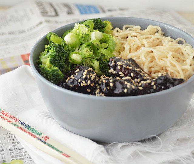 Noodles met Mongolian Beef en Broccoli een heerlijk recept welke je in een handomdraai op tafel zet! Binnen 30-minuten of minder de lekkerste noodles