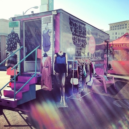25 best mobile fashion truck ideas on pinterest truck for Mobel stylisch