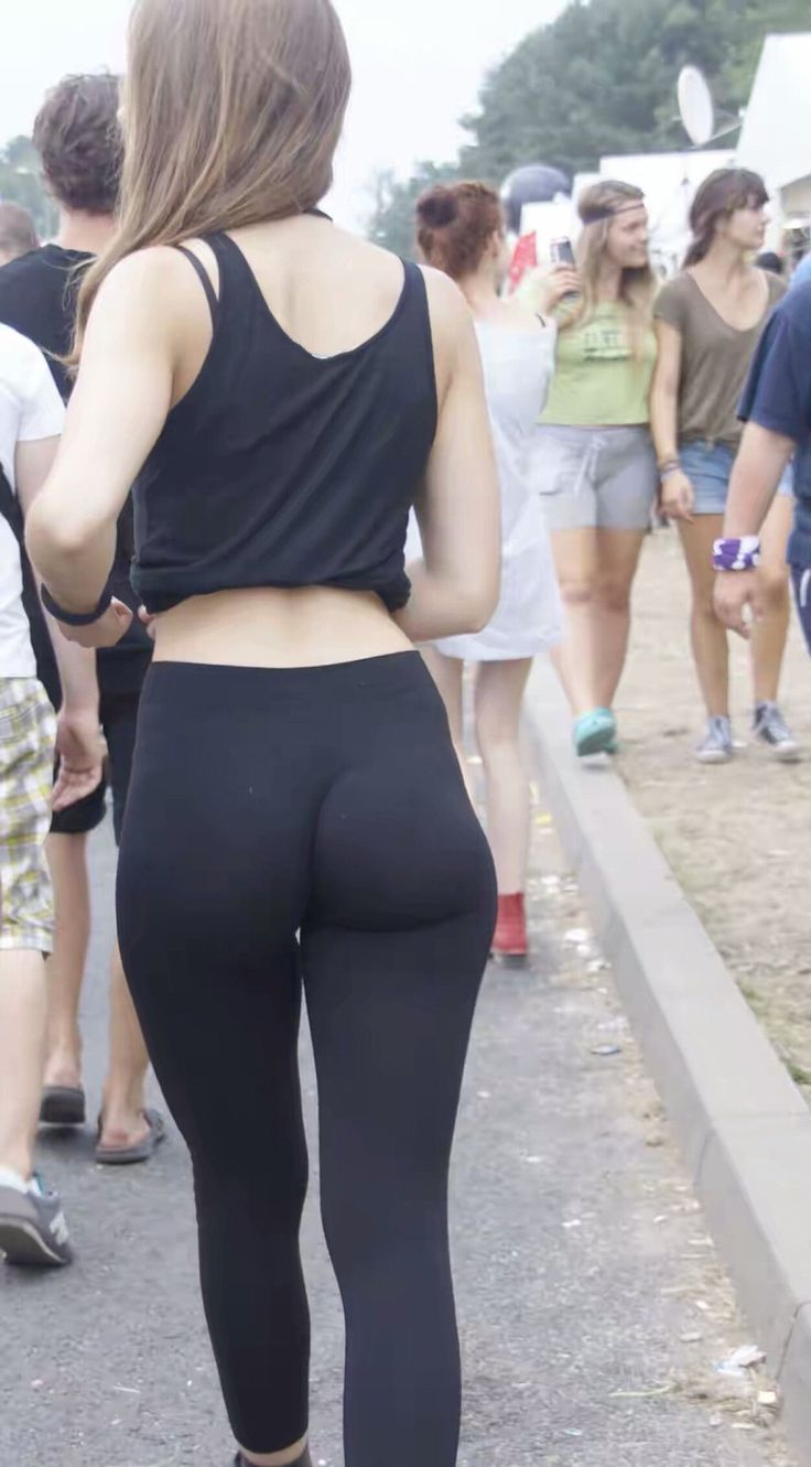 image Teen candid yoga pants ass in public shopping at the mall