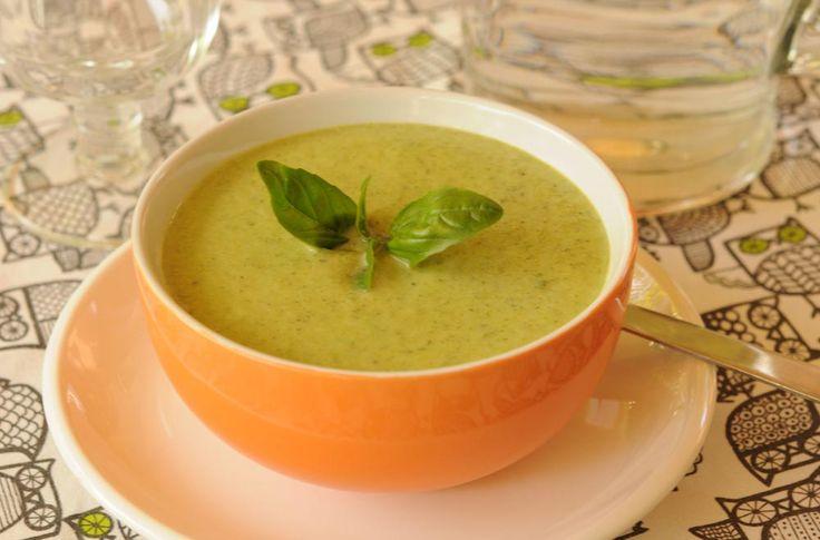 Sopa de Zapallitos Italianos y Albahaca