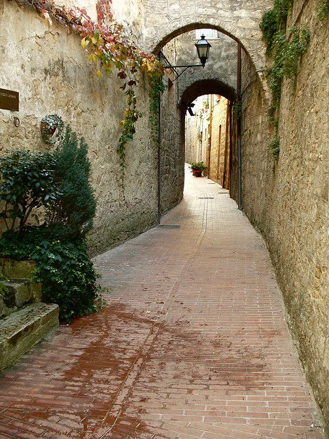 Civitella del Tronto  medieval part by pizzodisevo, slowly i will recover, via Flickr