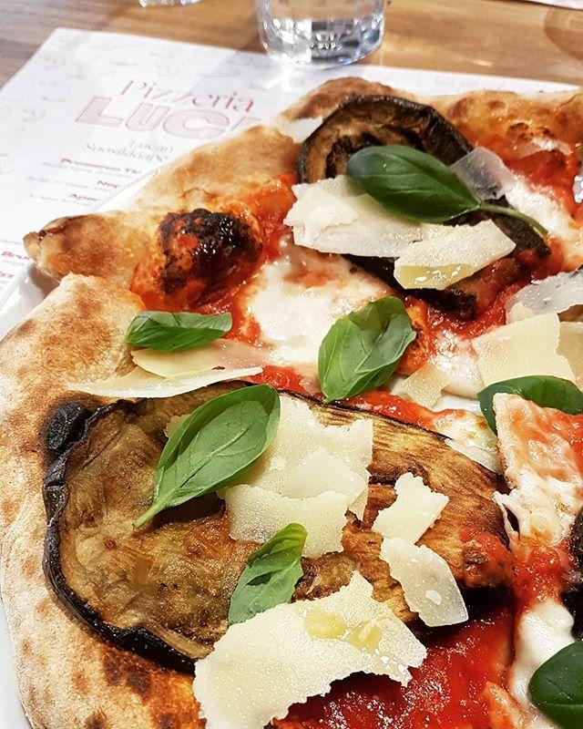@luca_platania taidonnäyte  Tampereella: @pizzeria_luca munakoisopizza napolilaiseen tyyliin 😚😍. #pippuri.fi #iltalehti #pizza #napolilainenpizza