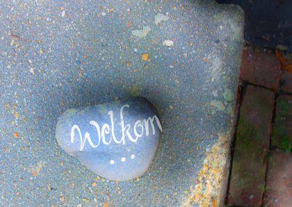 Welkom steen voor ingang huis 1