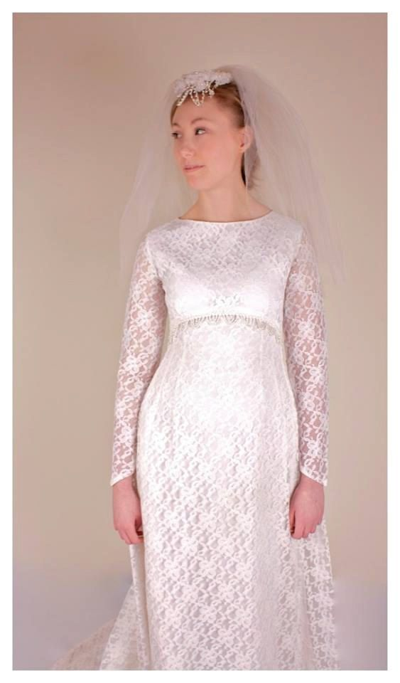 58 best 80s wedding images on pinterest casamento for Daisy lace wedding dress