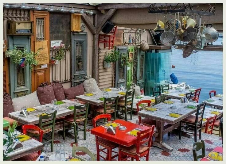 Tavern in Microlimano, Piraeus Athens, Greece Supermysig restaurang i Aten, Grekland http://www.paragamikrolimano.gr/content/gallery