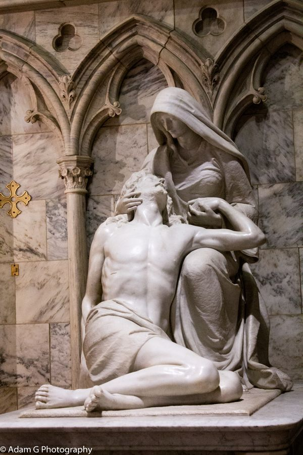 Statue of Jesus & Mary at St Patricks Cathederal in NYC