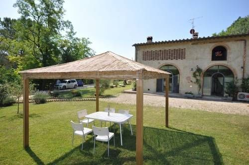 Villa Diletta San Gimignano Villa Diletta is a villa set in Borgatello, 39 km from Florence. You can fire up the barbecue for a tasty meal and enjoy the garden in fair weather.  There is a seating area and a kitchen. A TV is offered.